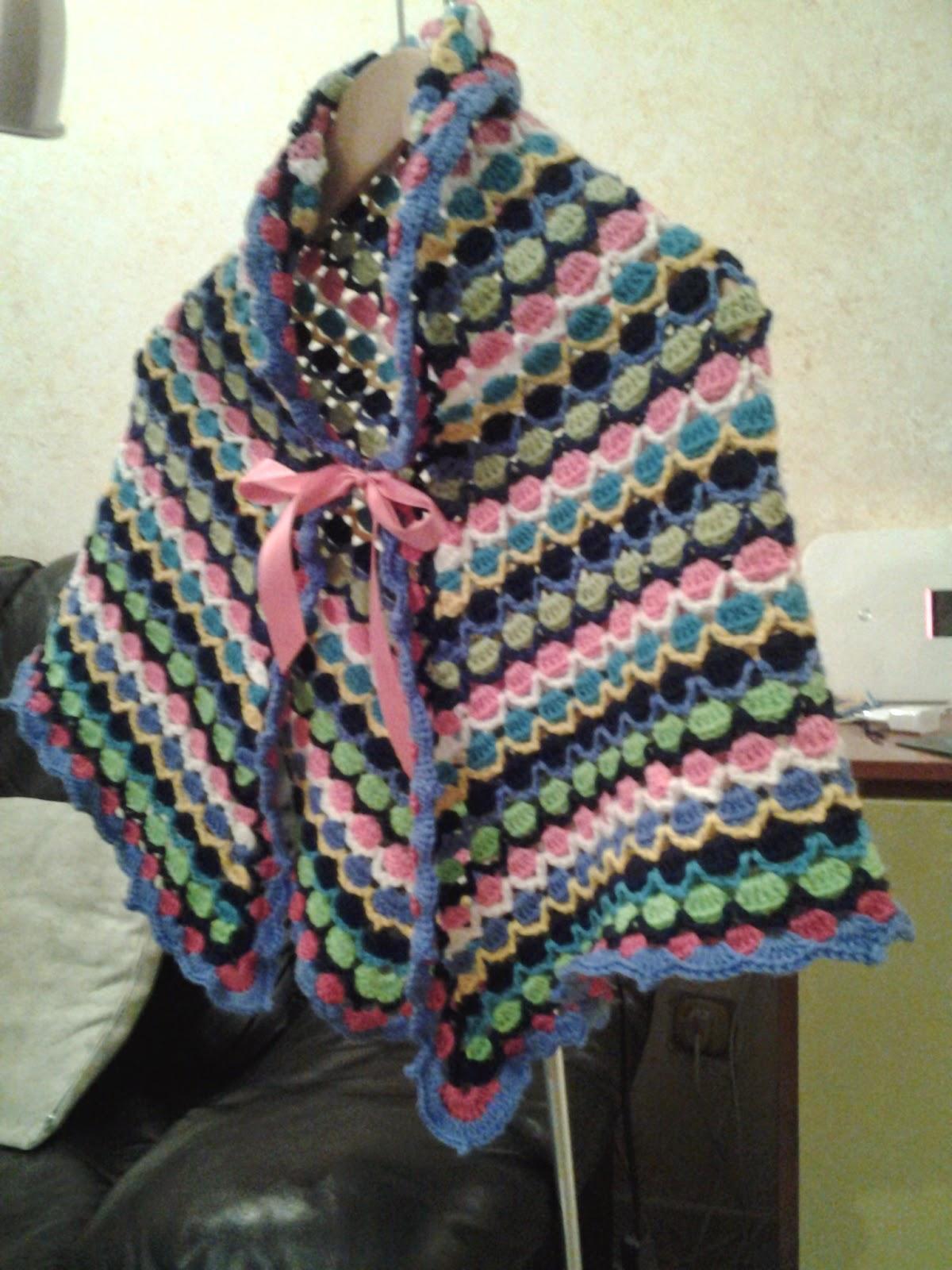Sara Nel Mondo Del Crochet Mantellina Alluncinetto Multicolor