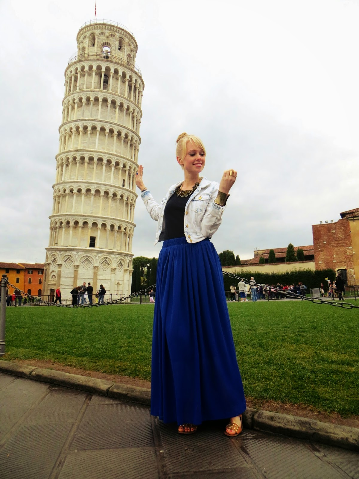 leaning tower of Pisa, Italy, spring break, travel, funny photo at leaning tower of pisa, funny leaning tower of pisa photo, maxi skirt, ChicWish blue maxi skirt, Charlotte Russe denim jacket, travel style, spring style, style blogger