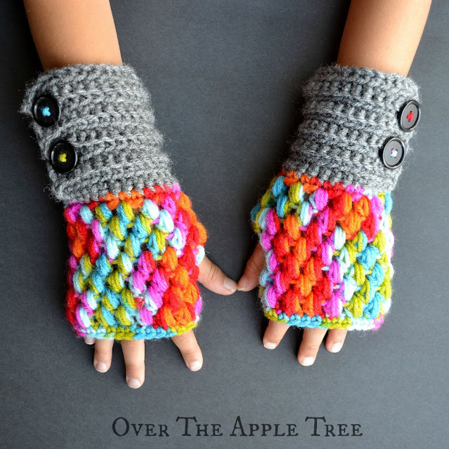 Puff Stitch Fingerless Gloves free pattern