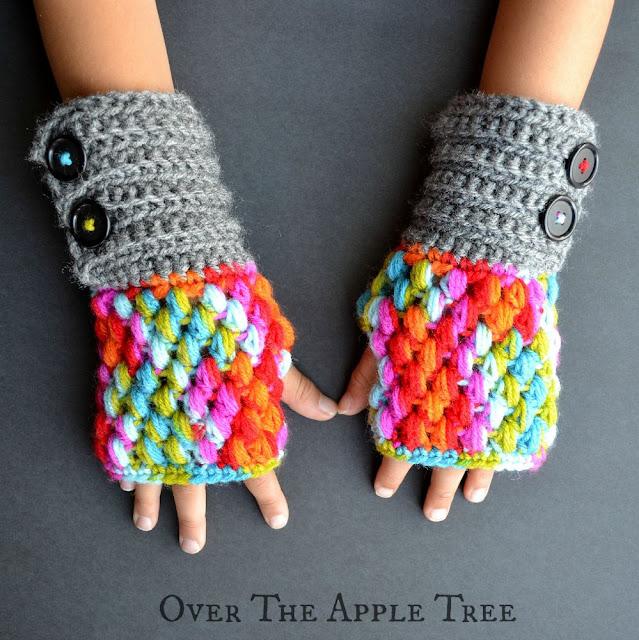Puff Stitch Fingerless Gloves free pattern