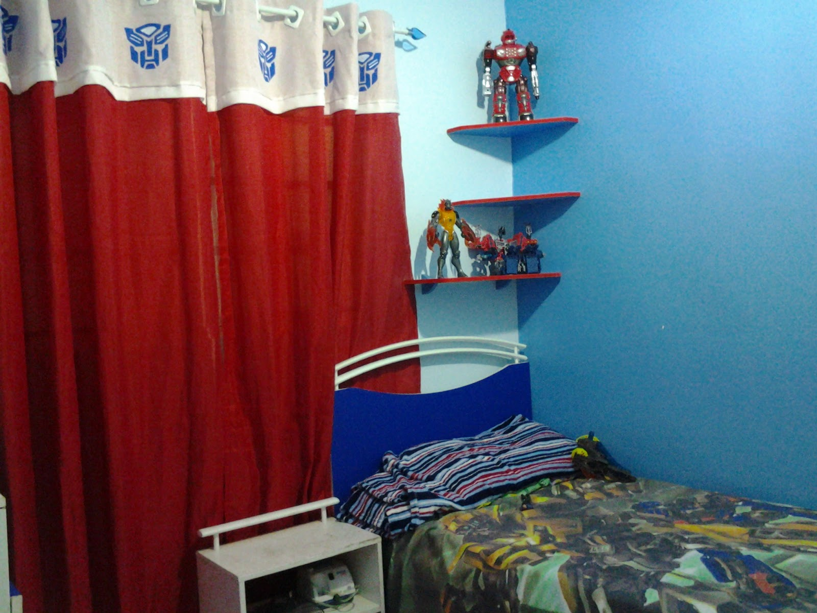 Bell 39 arts transformando o quarto do murilo transformers prime - Transformers tapete ...