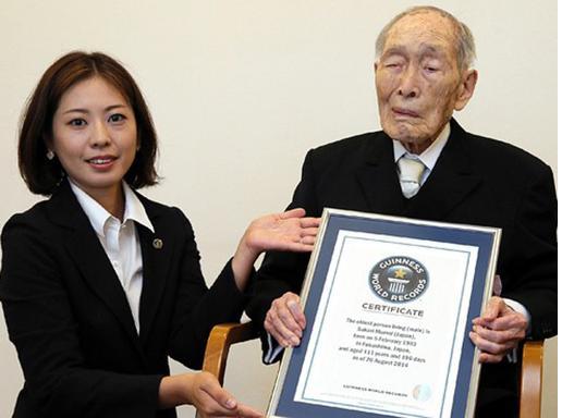 Foto Rekor Pria Tertua Yang Hidup Di Dunia Versi Guiness World Record