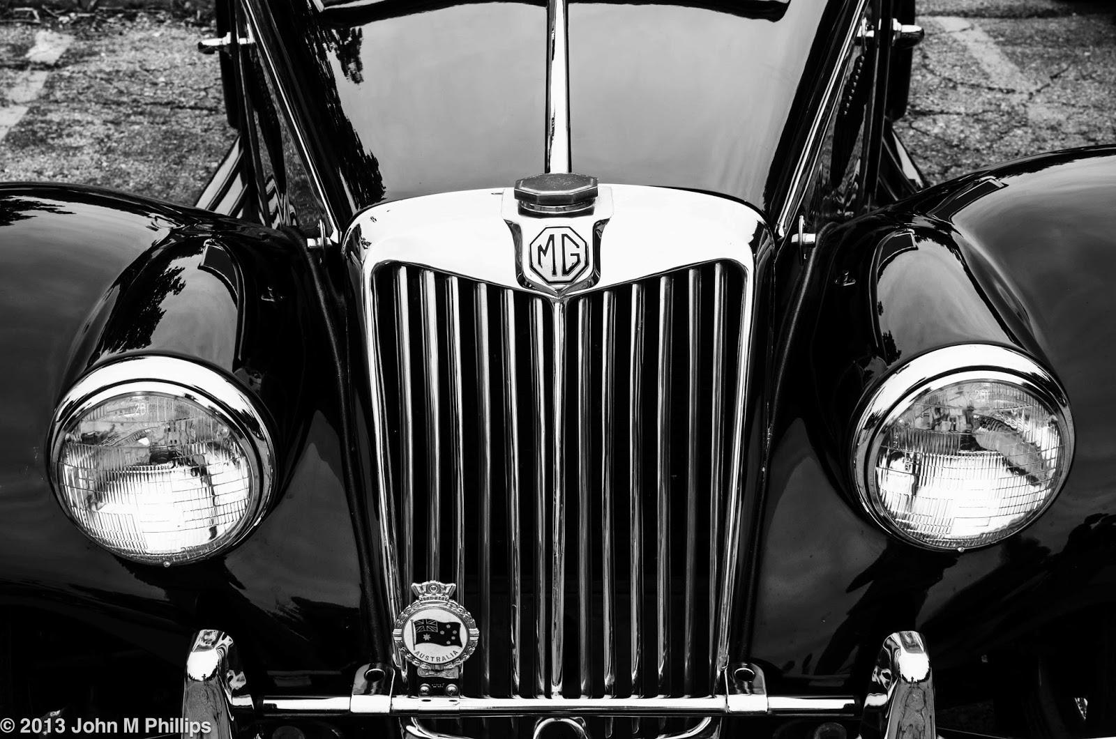 SKEPTIC PHOTO CLASSIC CARS IN BLACK WHITE