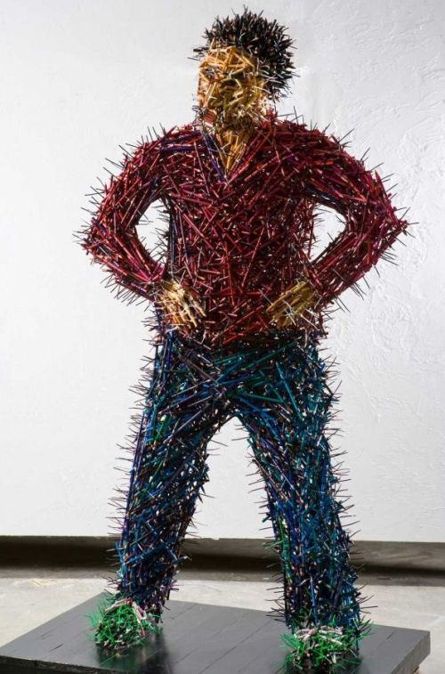 Federico Uribe esculturas lápis Pai