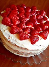 Epres túrókrémes torta