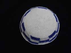 KIPPAH Crotchet Blanco Trim Azul