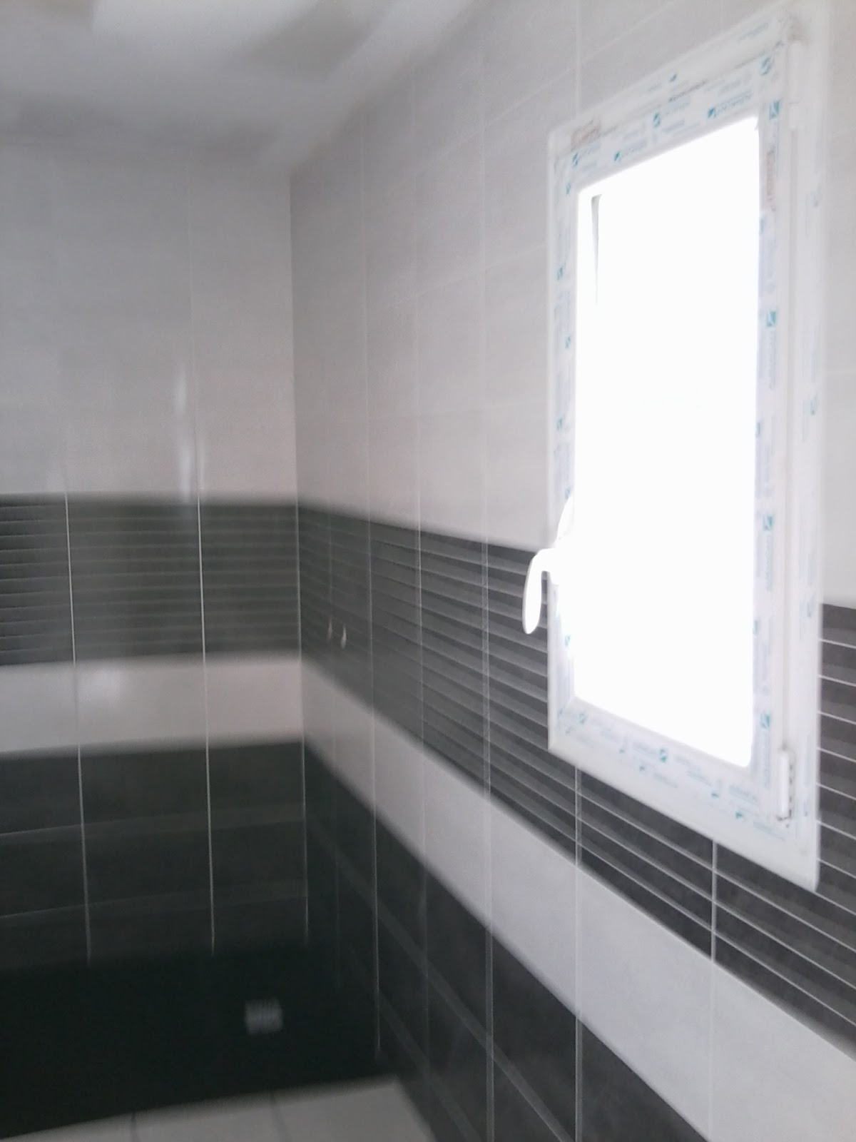 Pose de Faïences de salle bain par Philpro carreleur Deux-Sèvres 79