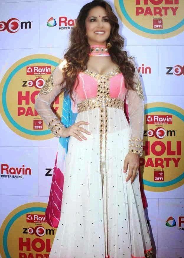 Sunny Leone Zoom Holi Party Bash celebration Pictures