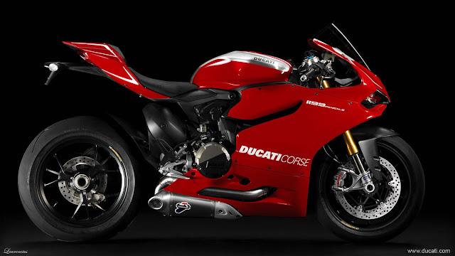 Superbike-Ducati-1199-Panigale-R-2013_4
