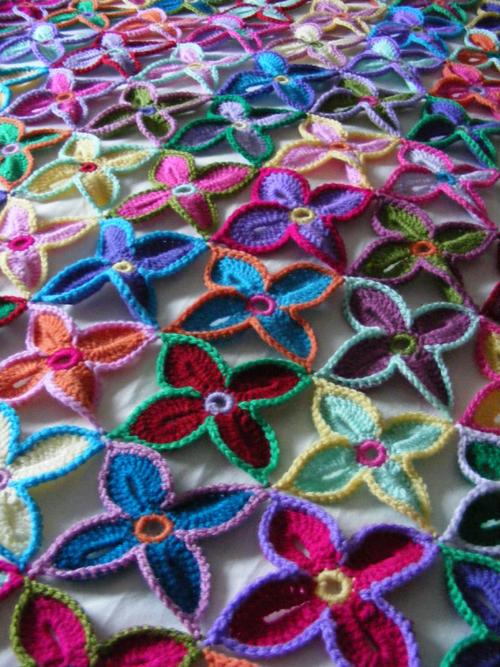 La Belle Helene: 150 Hawaiian flowers - all done!
