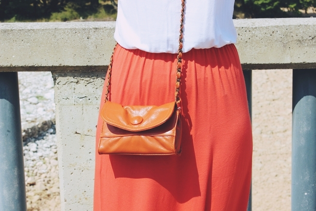 Outfit: Sunny Orange & Snowy White.Anel maxi φορέμα.Orange white maxi dress.White strappy sandals.Fullah Sugah τσαντα orange purse.Oriflame bracelet.Best summer looks.