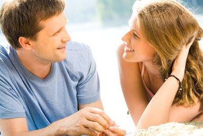 كيف تسعد حبيبتك أو زوجتك وتجعلها تحبك بجنون - how to make women love you