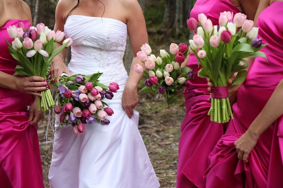 Bridal Bouquets Using Tulips : In style party favors