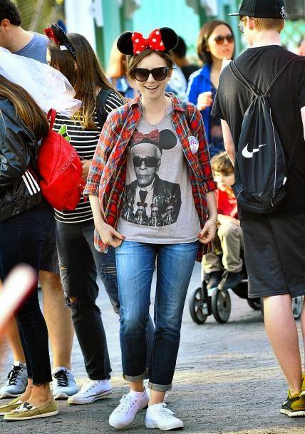 Lily Collins - Os 60 anos da Disney Land