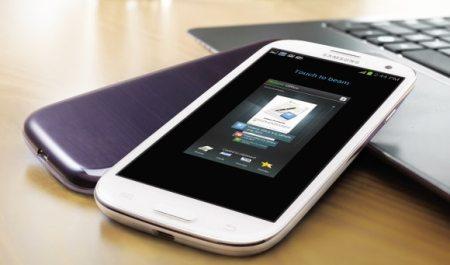Design dello smartphone samsung in vari colori