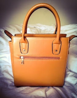 Want a luxury handbag at an affordable price? Check out my blog to see Linzy-Lou's affordable handbags. You won't be disappointed!
