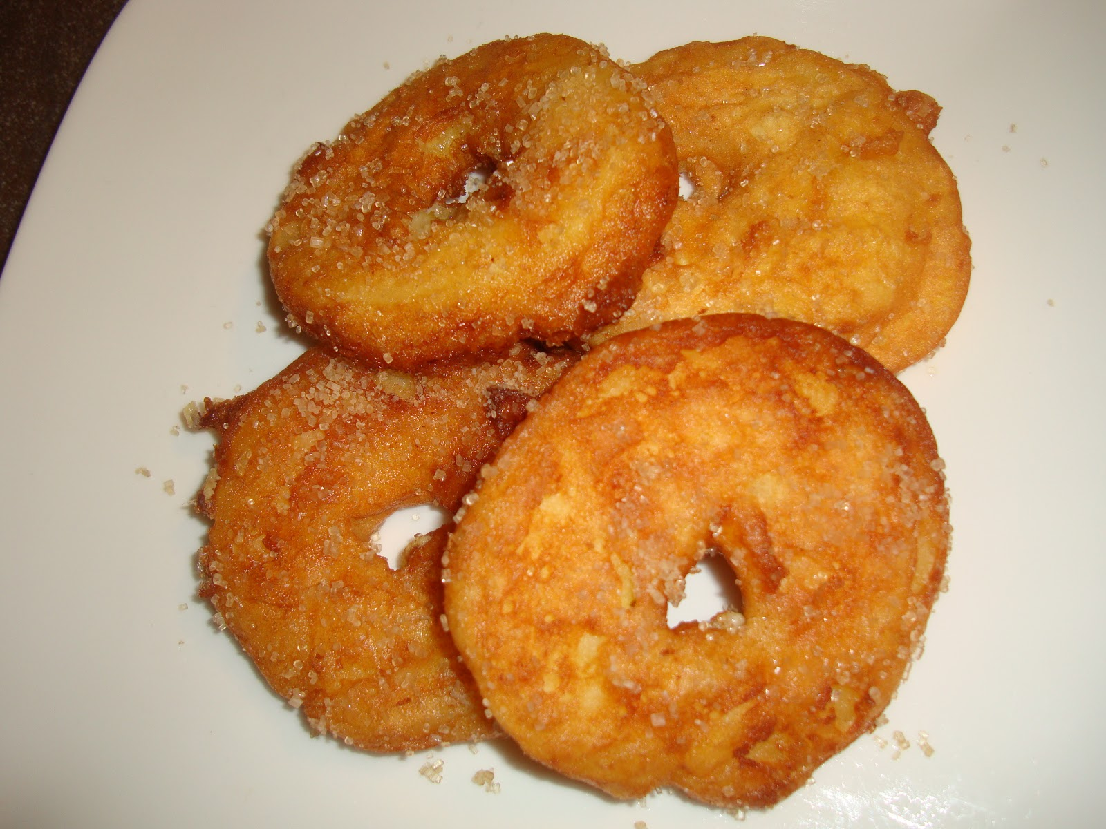 Jood's Mix: Aepfelchuechli (deep fried apple rings)