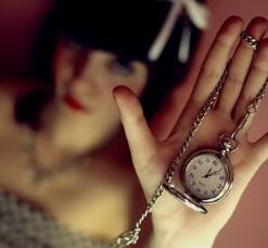 Me sobra el reloj cuando estoy contigo.