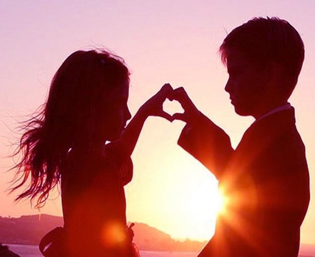 Puisi Cinta Romantis Paling romantis untuk pacar