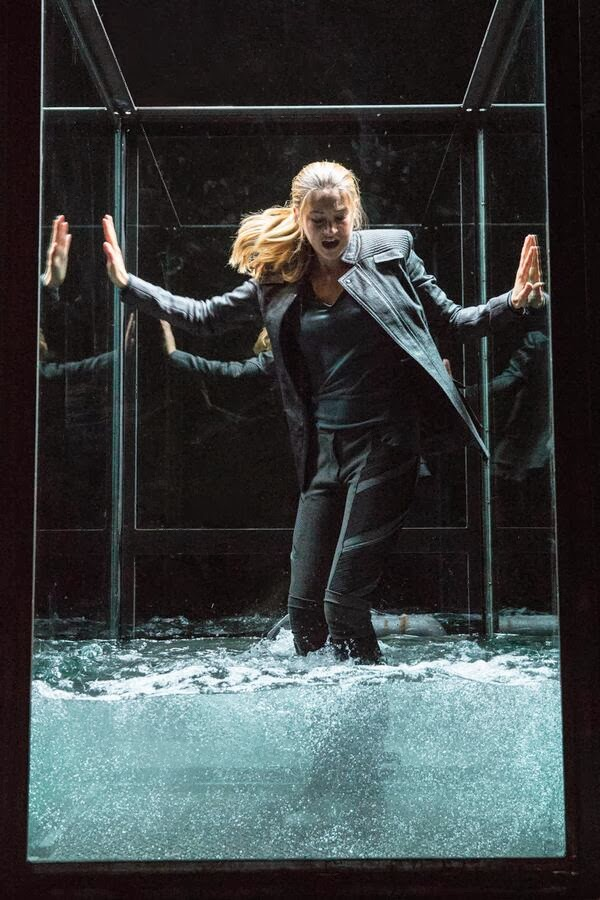 The Divergent Life: 3 New DIVERGENT Movie Stills ...