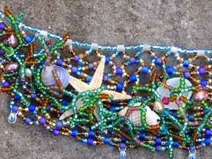 Mermaids net seed bead necklace close up