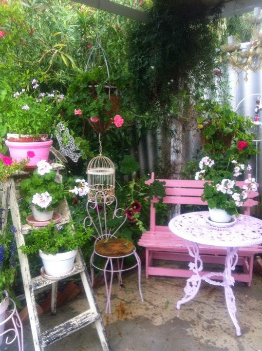 with a flair for cozy flea market fabulous cottage garden touches