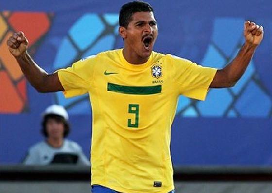 073500f642 Museu Virtual do Futebol  Craques da areia (3)... André