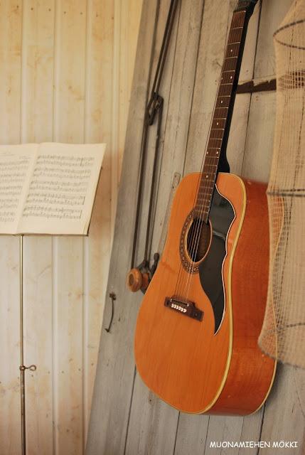 Muonamiehen mökki - Musiikkinurkkaus