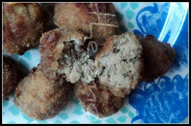 Albóndigas de carne en salsa de cebolla