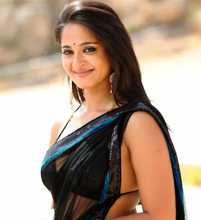 Anushka Shetty Sari photos