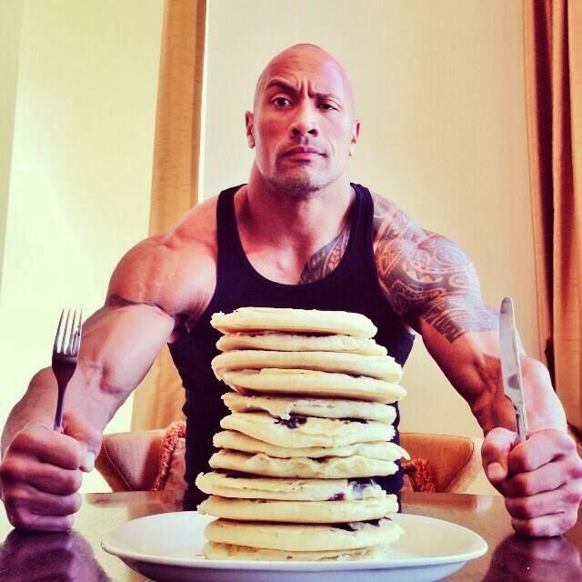 The Rock publica en twitter lo que comen