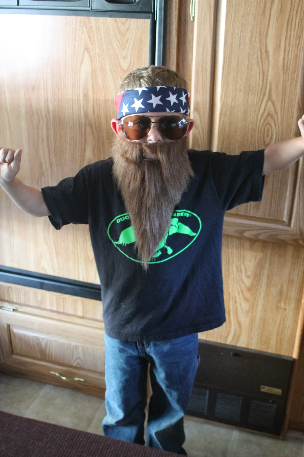 Working Mom Wonders & Working Mom Wonders: Duck Dynasty Halloween Costume