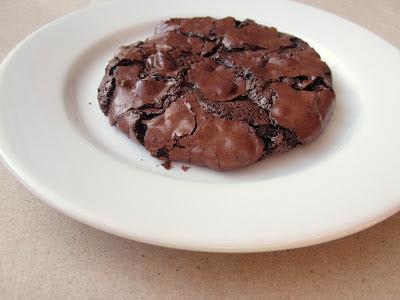 Jauhottomat suklaakeksit - Flourless Chocolate Cookies