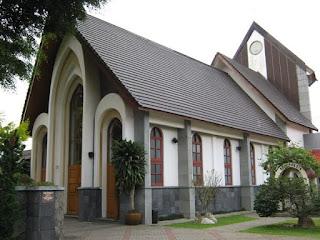 Gua Biara Gereja Karmel Lembang Bandung