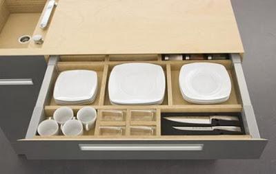 Cocina compacta y ampliable para espacios peque os for Cocinas para espacios pequenos