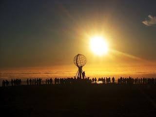 Kejadian langka: Matahari Muncul ditengah malam