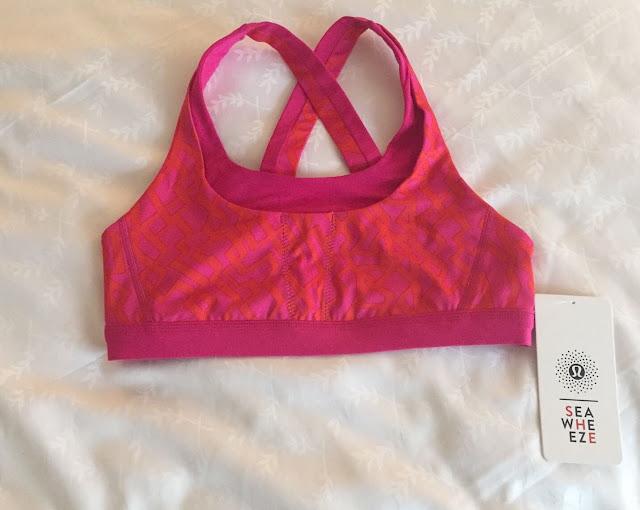lululemon-2015-sea-wheeze-expo-merchandise-stuff-your-bra-pink