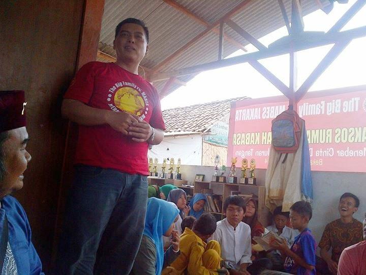 Bakti Sosial FC Mabes dan JalurBekasi di KABASA Sekolah Raya