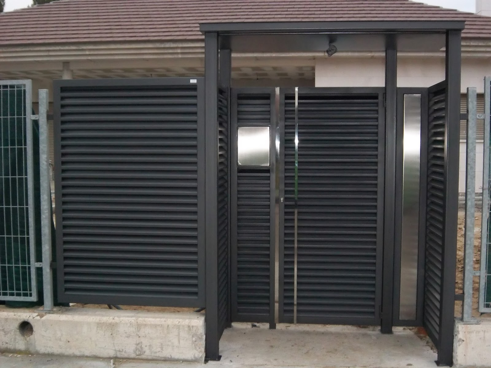 Norbel carpinteria met lica y acero inoxidable puerta - Puertas de valla ...