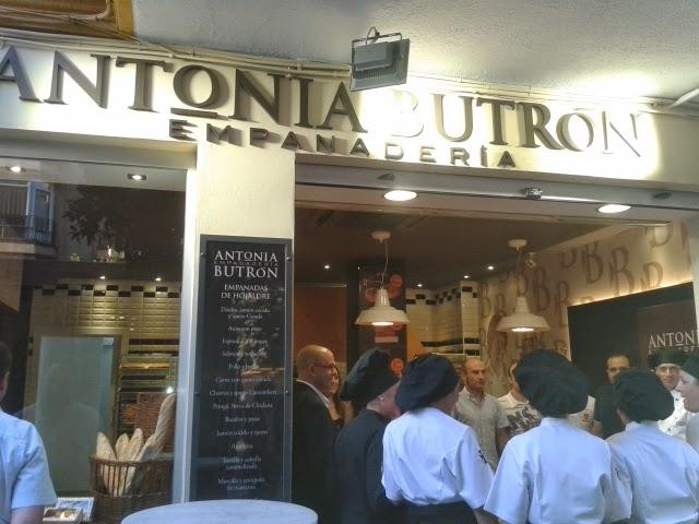Inauguración empanadería Antonia Butrón. El Tapeador Sevilla