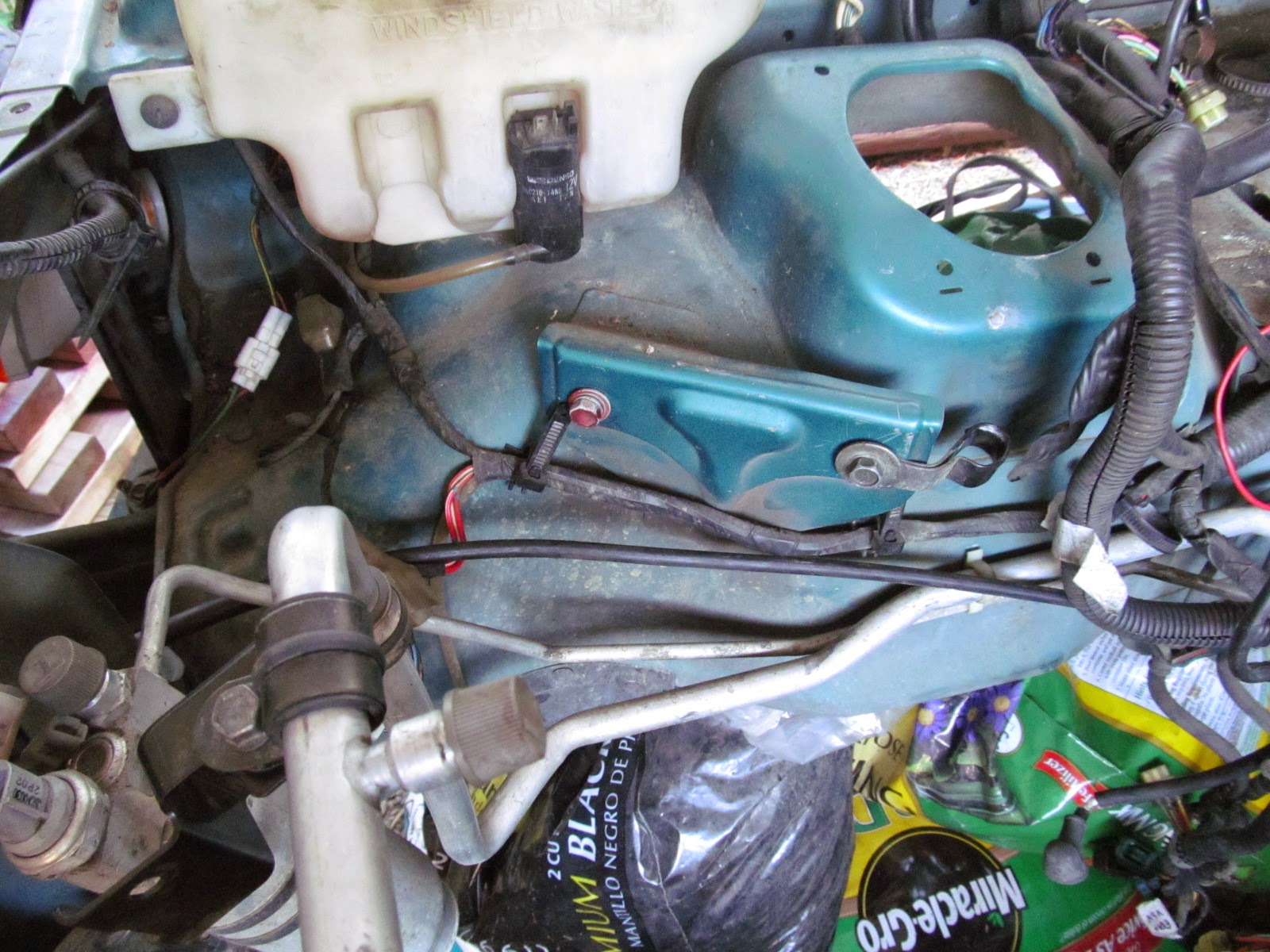 Mike\'s Projects: Stripping the Parts Car (Part 5, Removing the Main ...