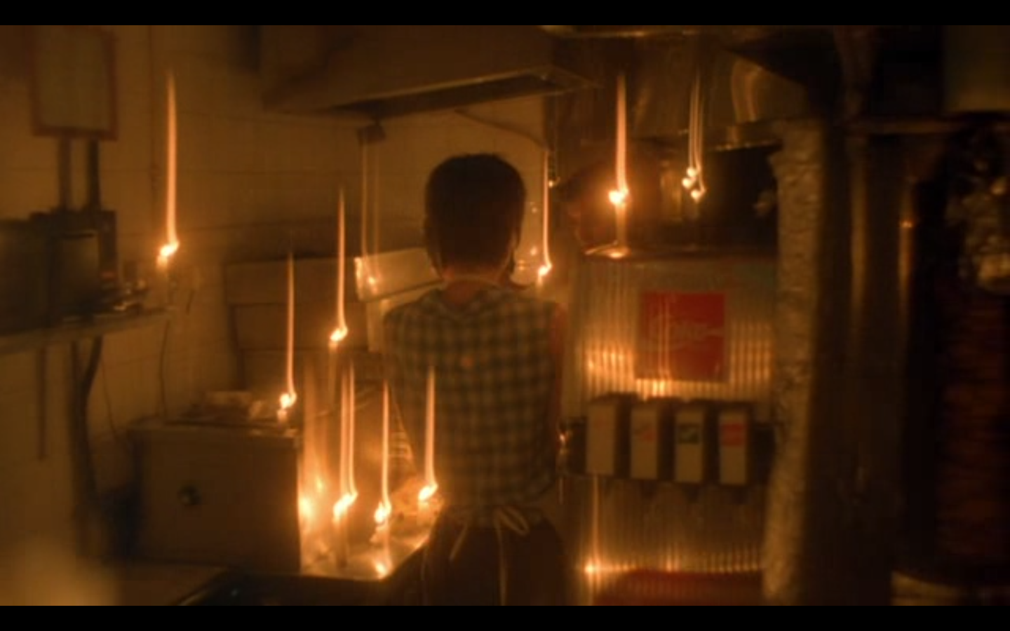 essays on chunking express Chungking express (1994), dir wong kar-wai: how does this example of asian screen content represent contemporary cultures and identities.