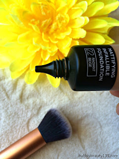 Review : Infallible 24h - Matte Foundation by L'oreal   www.bubblybeauty135.com