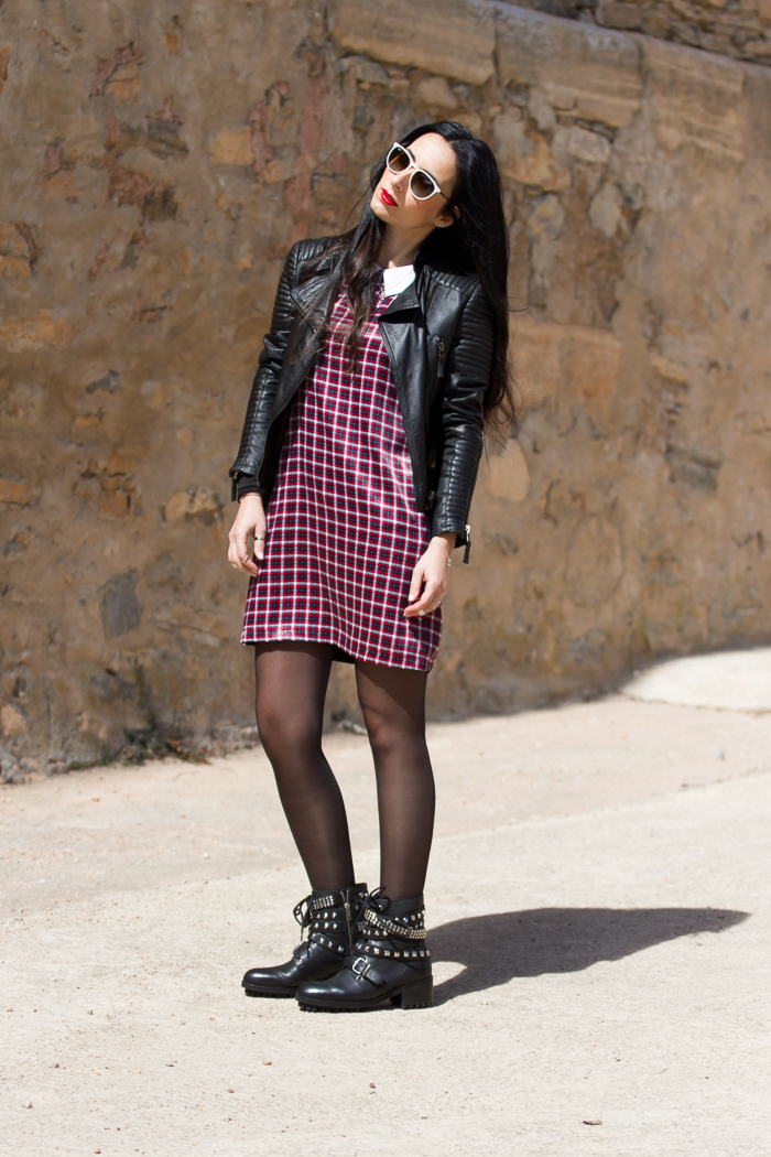 Tartan mini dress with red lips