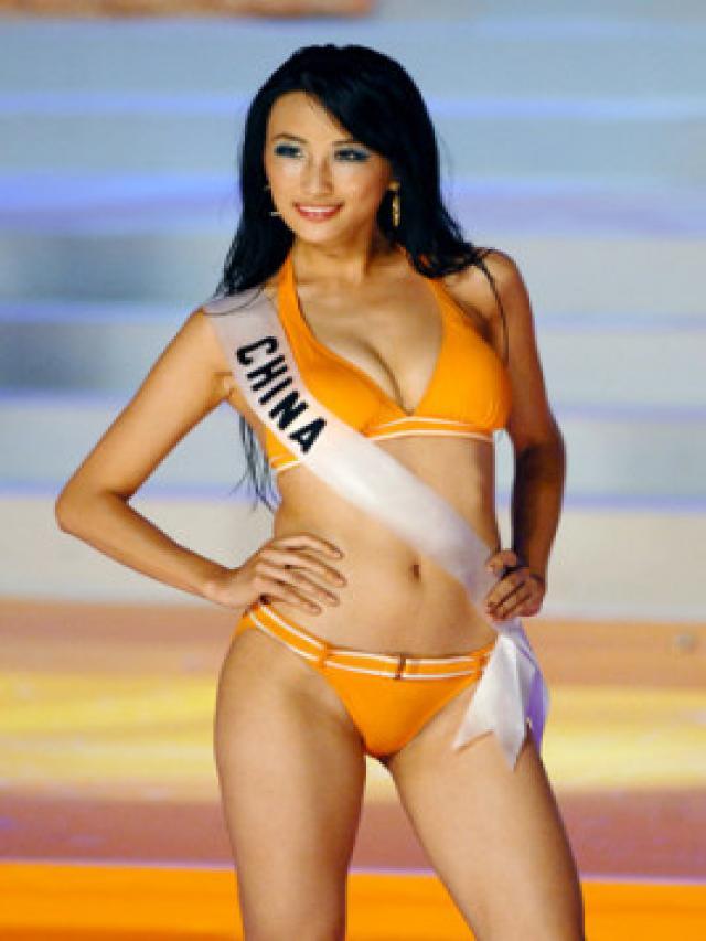 Ziya Tong In Bikini 18