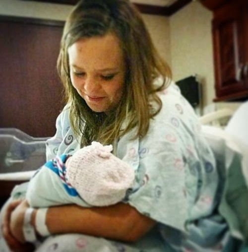 Baby number 2 came on New Year | Teen Mom Catelynn Lowell has again become Mama!