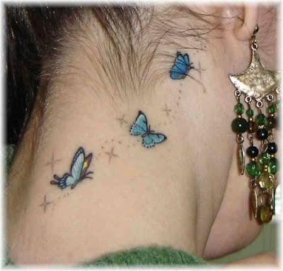 Tatuagem de borboleta feminina, nuca
