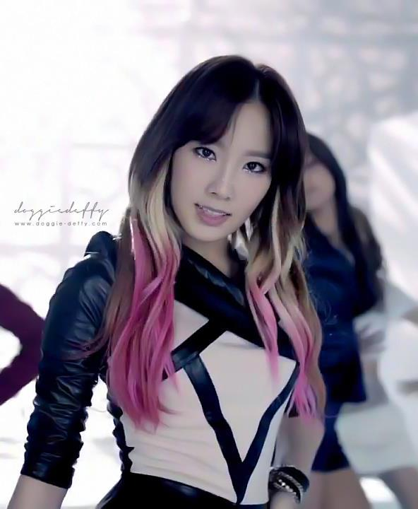 Taeyeon's Hairstyle at The Boys MV! | Soshi fans (Girls ... Taeyeon The Boys