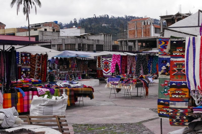 how to get to otavalo from quito