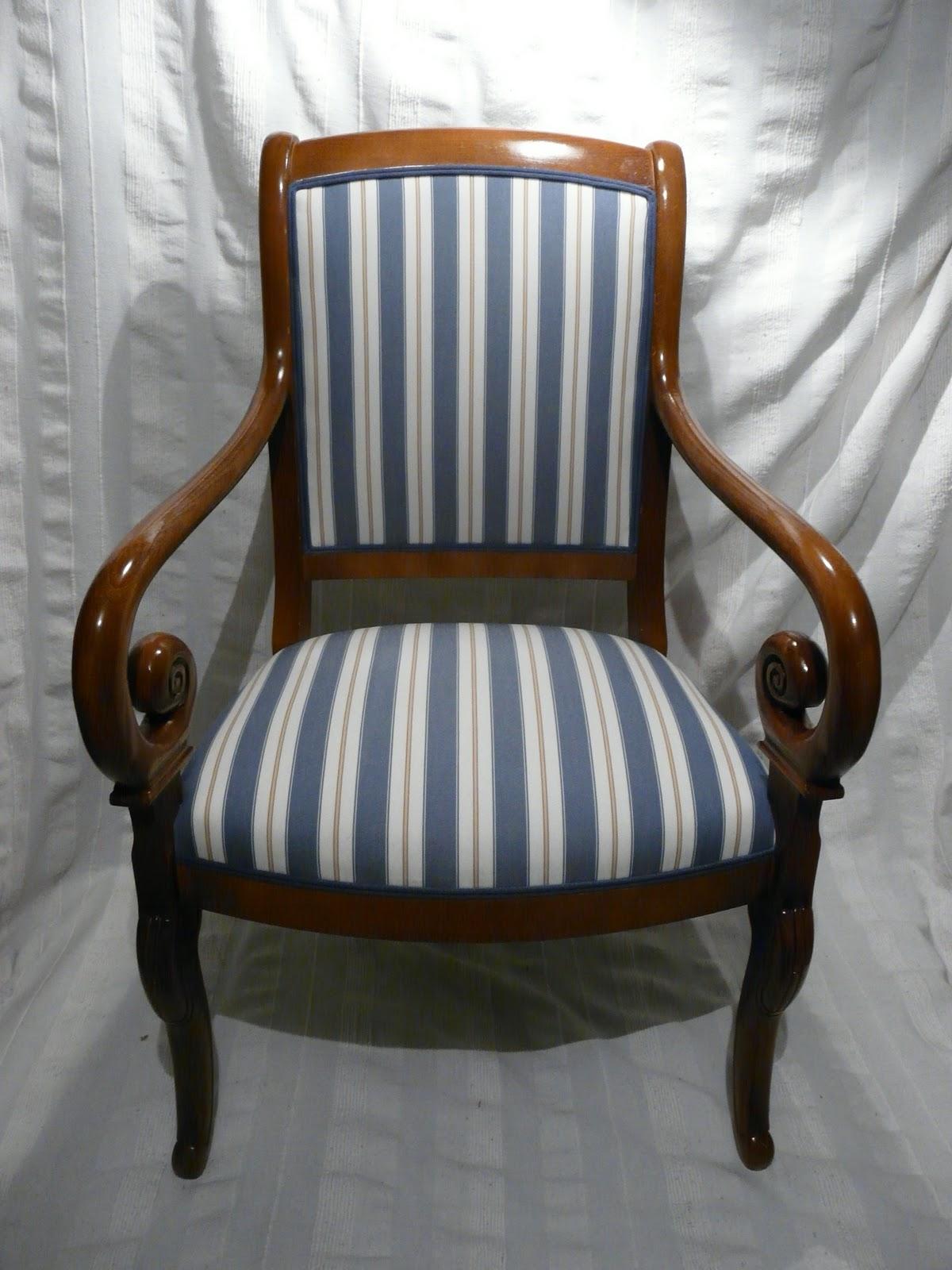 le siege dans tous ses etats fauteuil empire capitaine. Black Bedroom Furniture Sets. Home Design Ideas